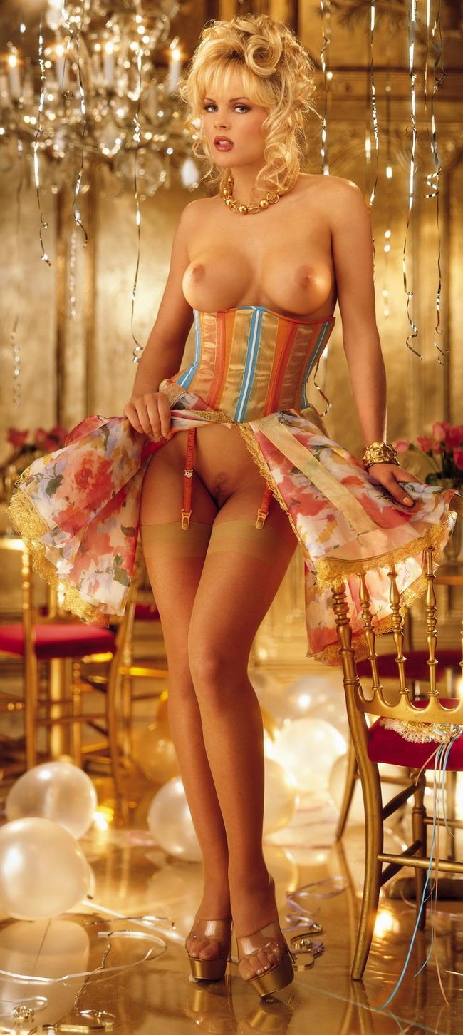 Эротическое фото девушки 90 60 90 4 фотография