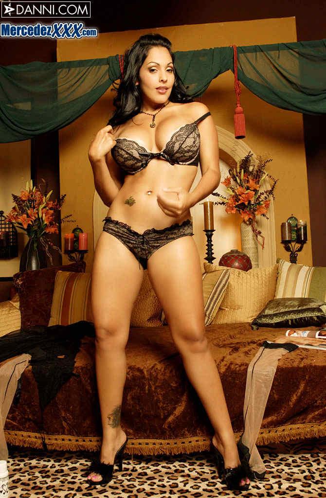 Nina Mercedez Hustler - Hot Girls Wallpaper